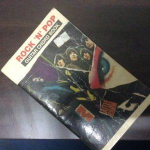 Buku Gitar